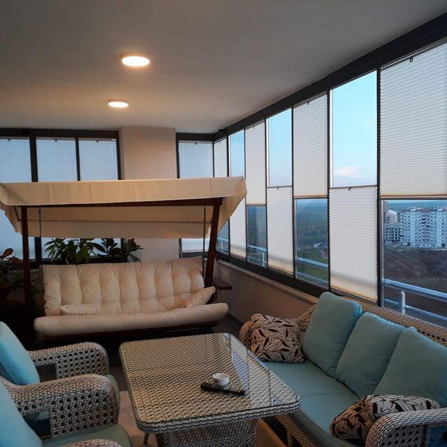 Cam balkon dekorasyonu