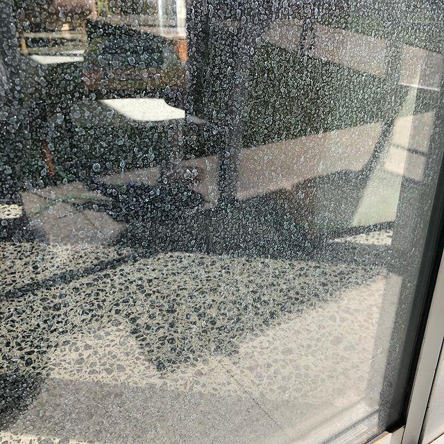 Balkon camlarındaki kireç nasıl temizlenir?