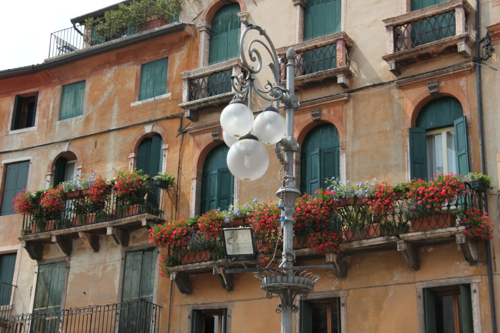 Büyük balkon dekorasyonu