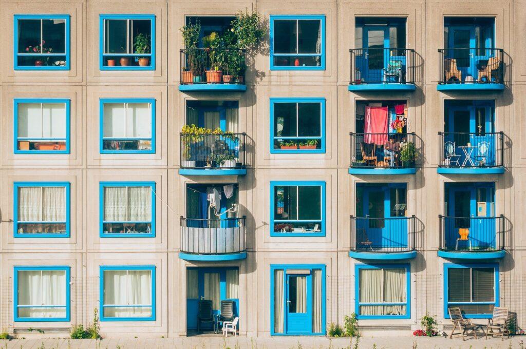 Balkon için hangi renk en iyisidir? En iyi 5 Balkon Duvarı Boyası