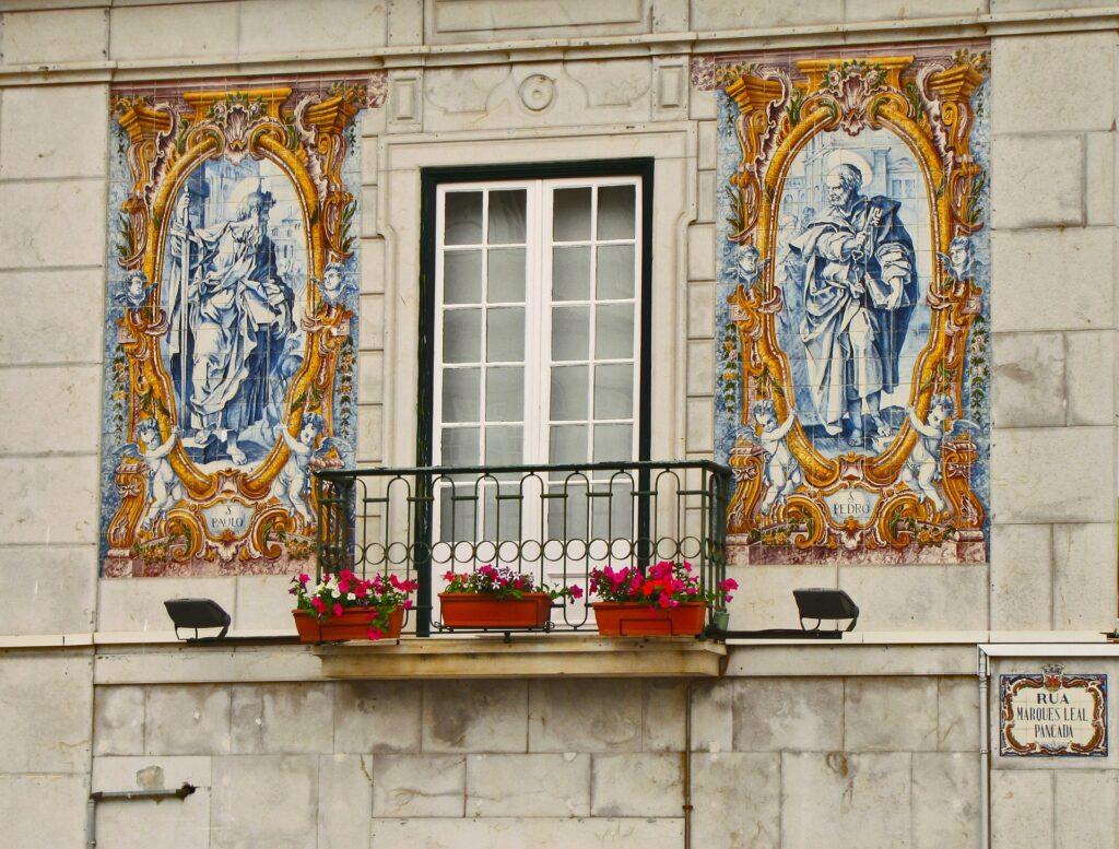 Balkon Duvar Dekorasyonu Nasıl Yapılır?