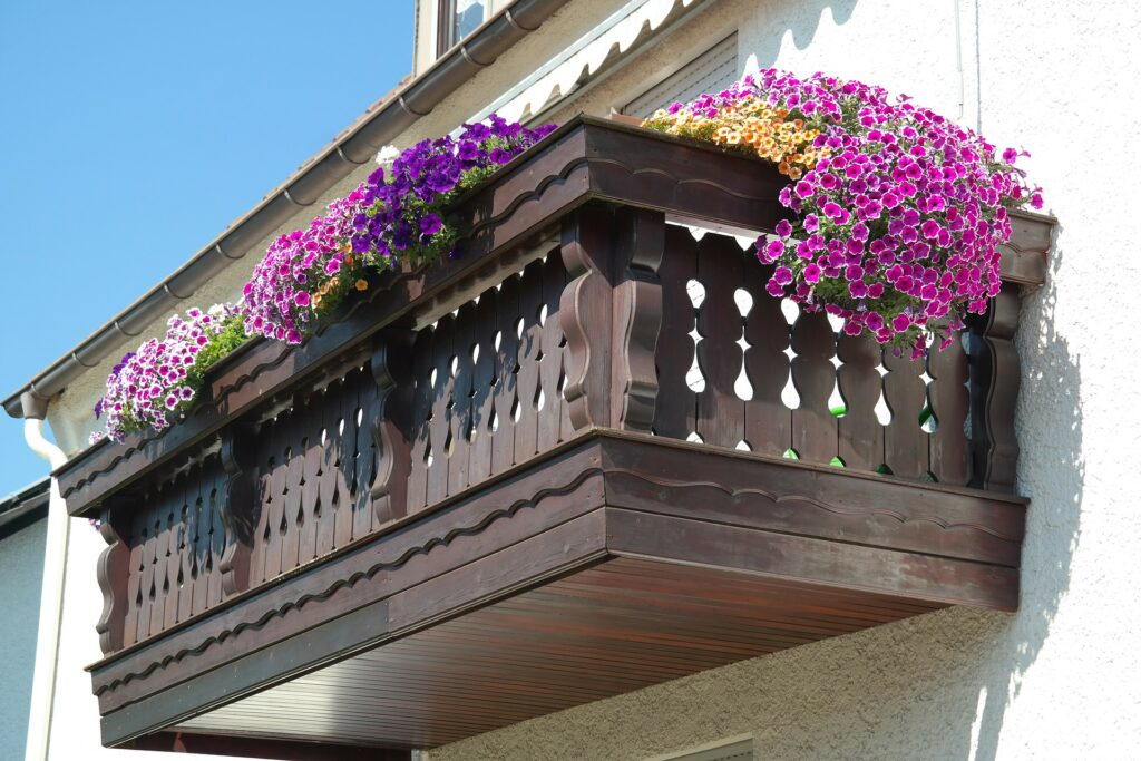 Balkon Duvarını Dekore Etmek