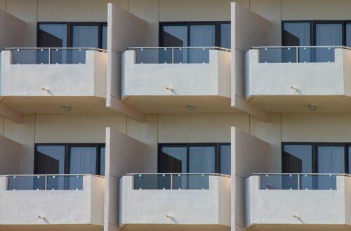 Kare Balkonlar İçin Dekorasyon Fikirleri