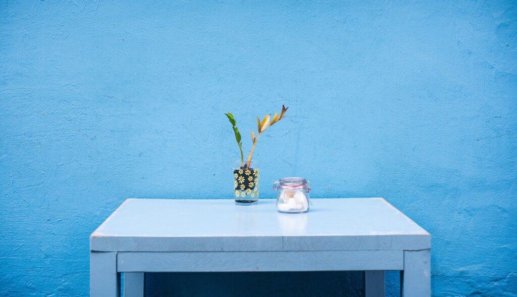 Mavi Balkon Dekorasyonu Nasıl Yapılır